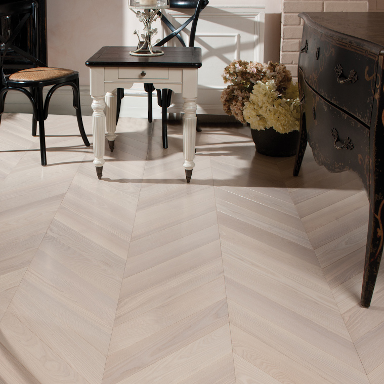 Parketas COSWICK Chevron Collection Uosis Moonlight